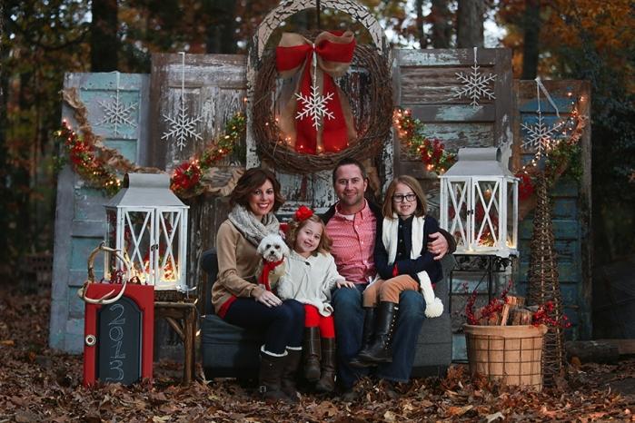 Outdoor Christmas Photo Shoot Ideas Christmas Minis...
